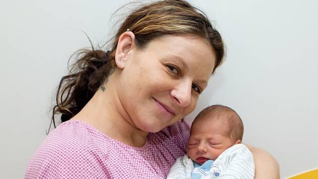 Julie Marisko (2,36 kg a 45 cm) je od 14.5. od 7:44 po 7leté Kláře dalším potěšením Kláry a Jana z Hlinska.