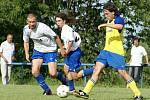 Z fotbalového utkání Rozhovice - Třemošnice.