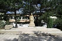Opravená socha Terézy Novákové v Proseči