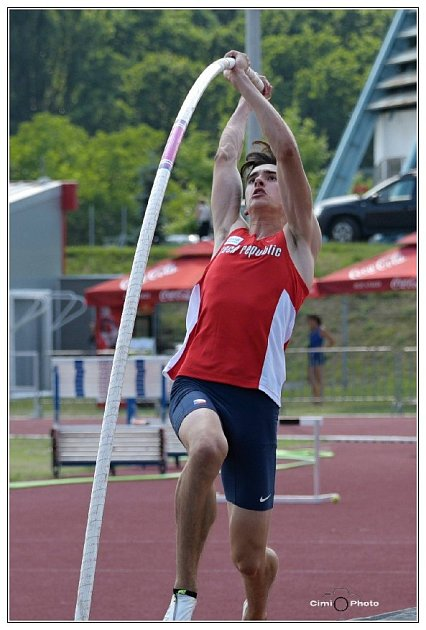 David Holý si letos zvedl osobní maximum už na 460cm