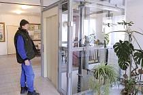 Nový výtah v Zaječicích bude sloužit handicapovaným v Kulturním domě.