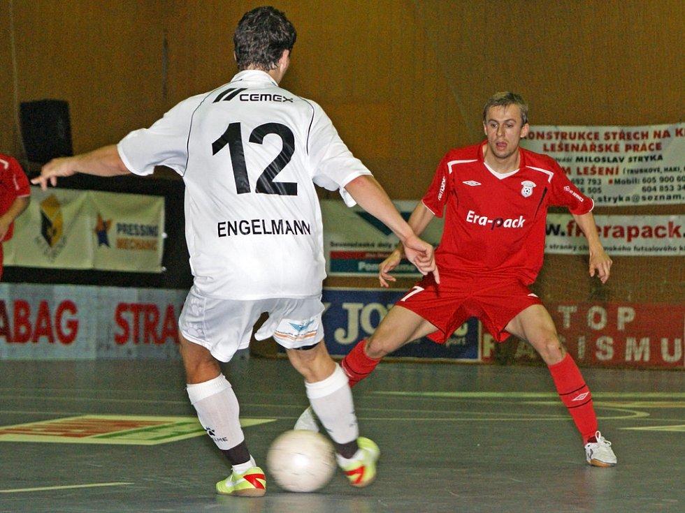 Chrudimští futsalisté v prvním finále play off rozdrtili Eco Investment Praha vysoko 8:1.