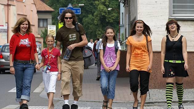 """Stávkující školy přidělaly na Chrudimsku starosti mnoha rodičům. Jejich ratolesti si naopak """"volný"""" den velmi užívaly."""