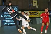 Futsalista Marek Kopecký (v červeném).