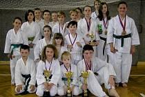 Mladí karatisté z Karate klubu Lichnice se díky svým úspěchům řadí mezi tři nejlepší kluby v republice.