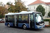 Elektrobus od pátku jezdí také v Chrudimi.