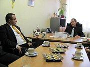 Vicepremiérka Karolína Peak a ministr školství Josef Dobeš navštívili Chrudim.
