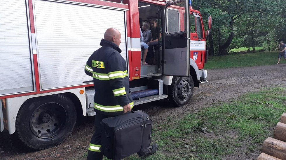 Hasiči evakuovali tábor v Dolanech u Proseče