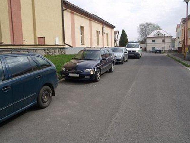 K dopravní nehodě došlo v době od 26. do 27. dubna 2013 v obci Hlinsko, ulici Dukelských Hrdinů, před domem č. p. 802.