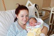 NIKOLA SÝKOROVÁ. Zprvorozené dcery se radují Kateřina a Václav zRonova nad Doubravou. Na svět přišla 26.7. v 18:09 s váhou 3,64 kg a mírou 49 cm.