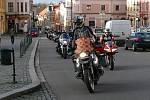 Štědrodenní vyjížďka chrudimských motorkářů.