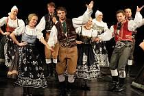 Do divadla Karla Pippicha se vrátil pořad ČESKÝ TANEC.