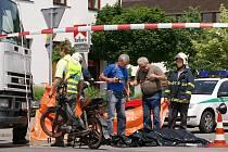 Smrtí řidiče babety skončila srážka s dodávkou u hotelu Lichnice v Třemošnici na Chrudimsku.