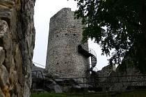 Z hradu Frýdštejn.