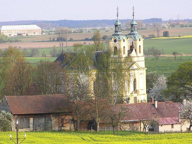 Kostel Povýšení sv. Kříže v Ostružně.