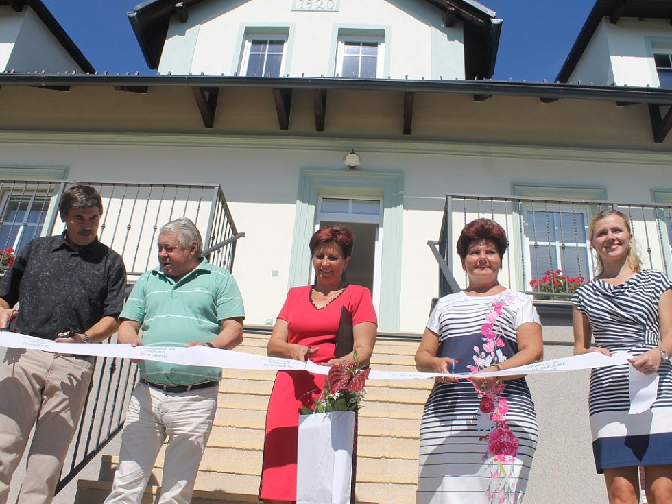 Ze slavnostního otevření Škaloudova statku v Bukvici.