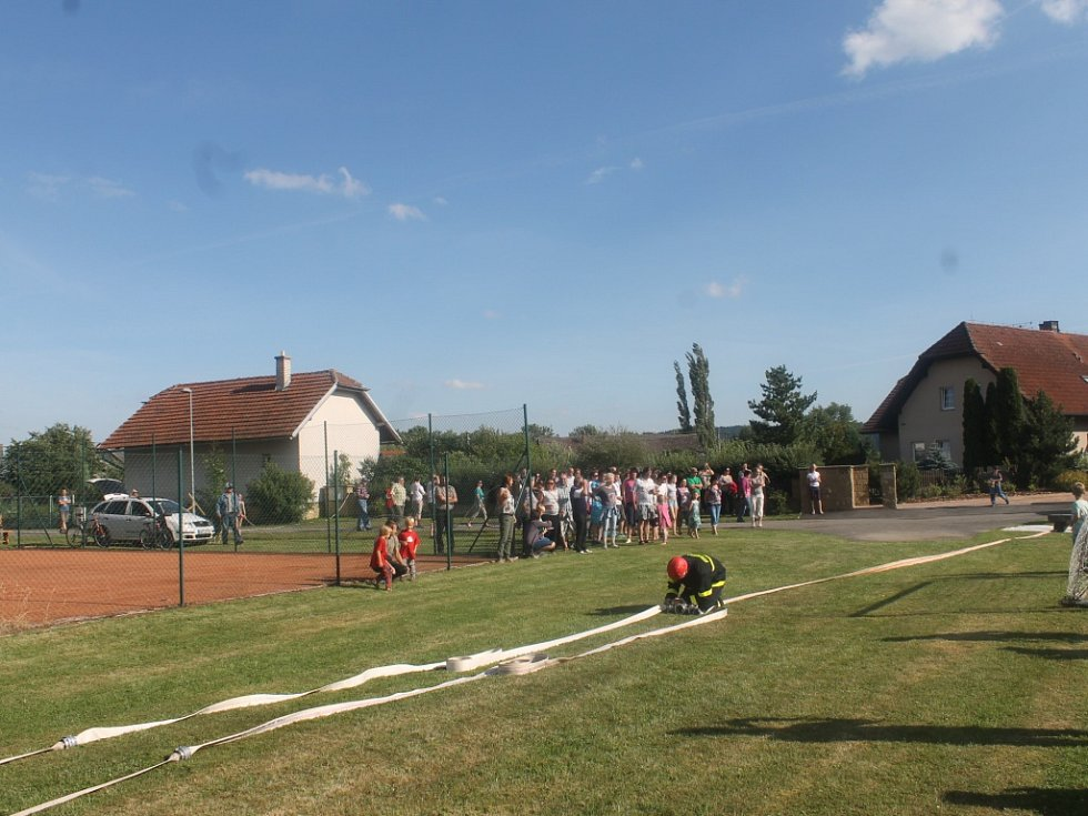 Z oslav 660 let obce Choteč.