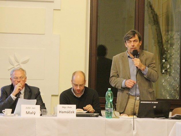 Jičín má i nadále dva místostarosty. Jan Jiřička (zcela vpravo) nakonec svůj post, k nelibosti opozice, uhájil.