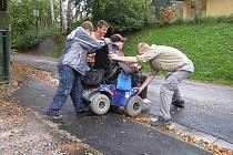 Vozíčkáři mají zhoršený přístup do MKS.