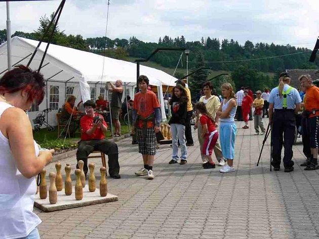 Kuželkiáda v Dolní Kalné  se hendikpeovaným sportovcům vydařila. Zasoutěžit si přijelo osmdesát sportovců z celé republiky.