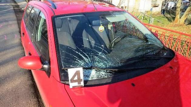 Střet chlapce s vozidlem skončil lehkým zraněním