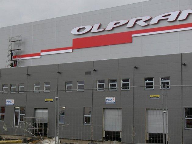 Hala firmy Olpran ve výstavbě.