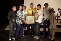 Miletínští divadelníci nastudovali hru Husička.