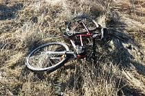 Střet nákladního automobilu s cyklistkou si vyžádal zranění
