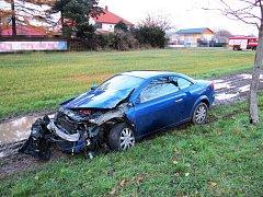 Na úseku silnice I/35 u obce Holovousy došlo k dopravní nehodě, která si vyžádala jedno zranění.