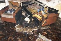 Z požáru bytu ve Dvoře Králové.