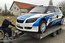 ADRIAAN Boele s vozem Škoda Fabia.