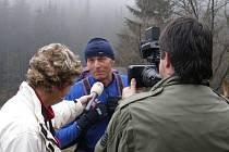 Na dotazy štábu TV Nova odpovídal Josef Kužel.