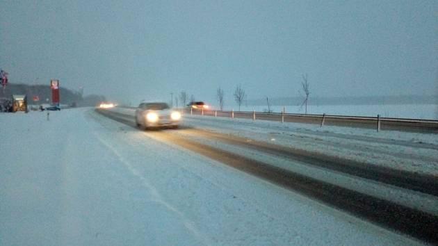 Zasněžené silnice.
