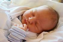 ADAM MLČOCH se narodil 26. srpna. Po narození vážil 3,98 kg  a měřil 53 cm Šťastní rodiče Aneta Kozáková a Pavel Mlčoch žijí  s malým Adámkem ve Valdicích.