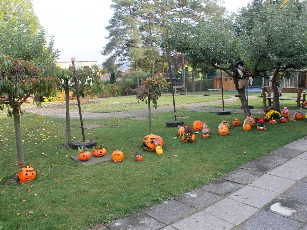Halloweenská výzdoba v Libáni.