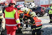 Soutěž hasičů ve vyprošťování.