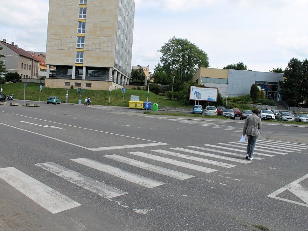 Přechod pro chodce u jičínského autobusového nádraží.