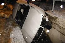Nehoda automobilu v Jahodné u Červené Třemešné.