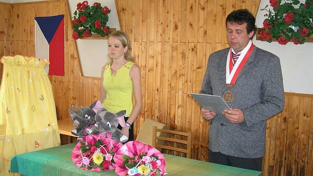 Starosta Cholenic Vladimír Ulrych a místostarostka Andrea Vrabcová.