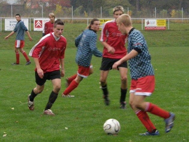 O víkendu hrají také muži a dorostenci v krajských soutěžích.