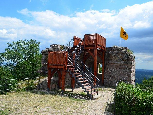 Vyhlídka na hradě Kumburk.
