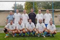 MEZINÁRODNÍ turnaj starých gard v Hořicích vyšel na jedničku. Na snímku vítězné družstvo SG Blatné.