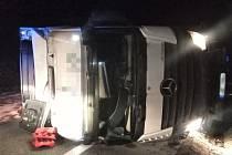 Páteční nehoda kamionu