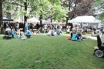 Food festival v jičínském zámeckém parku.