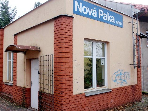 Železniční stanice Nová Paka.