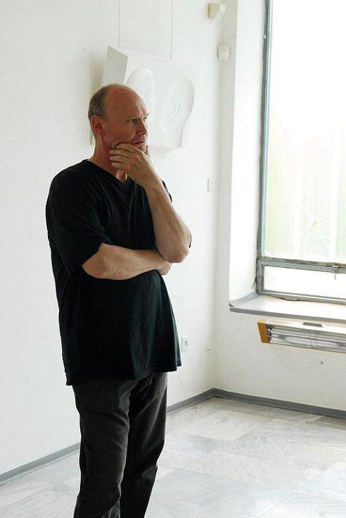 Vernisáž děl Jiřího Středy v hořické Galerii plastik.
