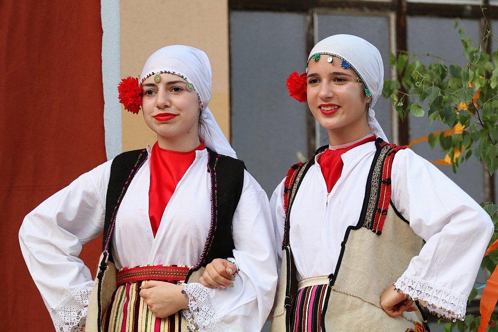 Mezinárodní folklorní festival pod Zvičinou.