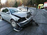 Dopravní nehoda dvou osobních automobilů u obce Dachovy.