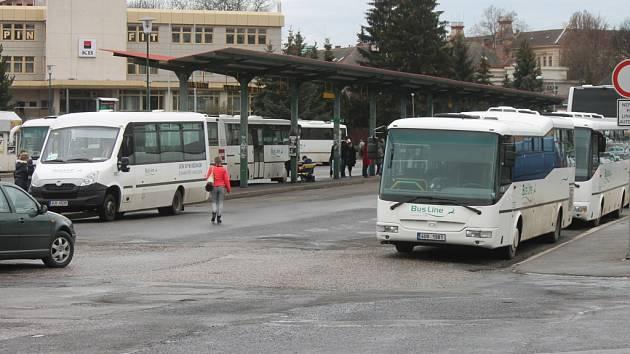 Jičínské autobusové nádraží.