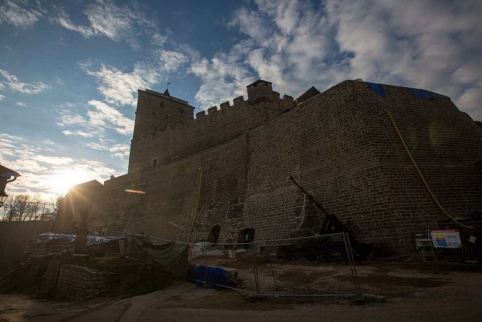 Rekonstrukce hradu Kost